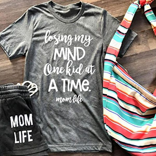 MAXIMGR Graphic Tshirt 2 Women Dog Mom Shirt Short Sleeve Graphic Tee Shirt Funny Dog Paw Letter Print Shirt Top Mom Gift