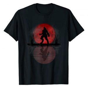 Werewolf Full Moon Design Graphic Tshirt 1 Werewolf Under A Full Blood Moon Howling Tee Gift T-Shirt