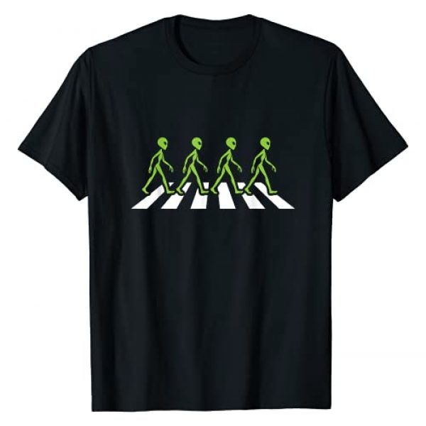 Alien Lover Space Being UFO Gift Graphic Tshirt 1 Aliens Crossing The Road UFO Enthusiast Gift Idea Alien T-Shirt