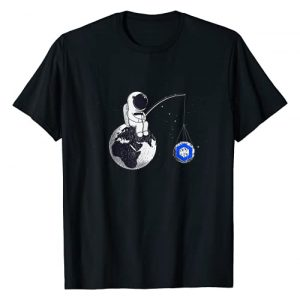 Astronaut Fishing The Chainlink Logo Crypto Moon Graphic Tshirt 1 Cryptocurrency Talk Chainlink To The Moon Space Man Merch T-Shirt