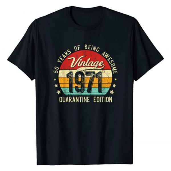 Quarantine Born in 1971 Birthday Gift Men Women Graphic Tshirt 1 Vintage 1971 50 Years Old Quarantine 50th Birthday Gift T-Shirt