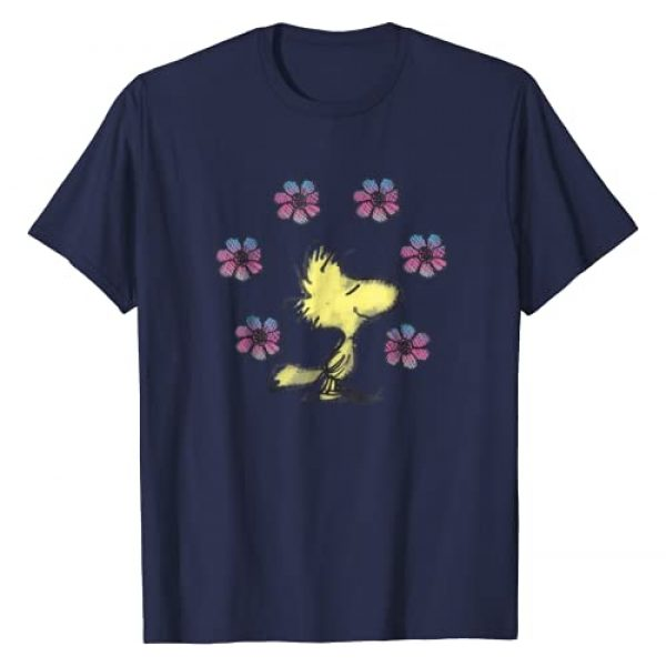 Peanuts Graphic Tshirt 1 Woodstock love flowers T-shirt